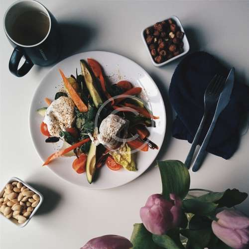 foodiesfeed.com_proper-healthy-paleo-breakfast-500.jpg
